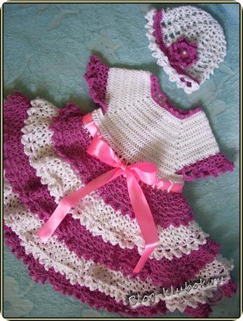 Вязаное платье крючком для малышки
